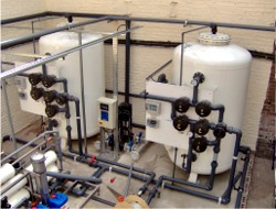 Each RO can be fed by either filter and there is a monitoring system incorporated into the inlet manifold of the RO plants that ensures that no oxidising chemical is allowed to reach and potentially damage the RO membranes even if the neutralising chemical should fail.